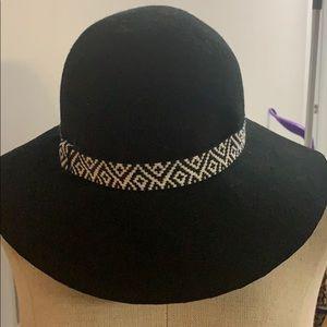 Boutique hat